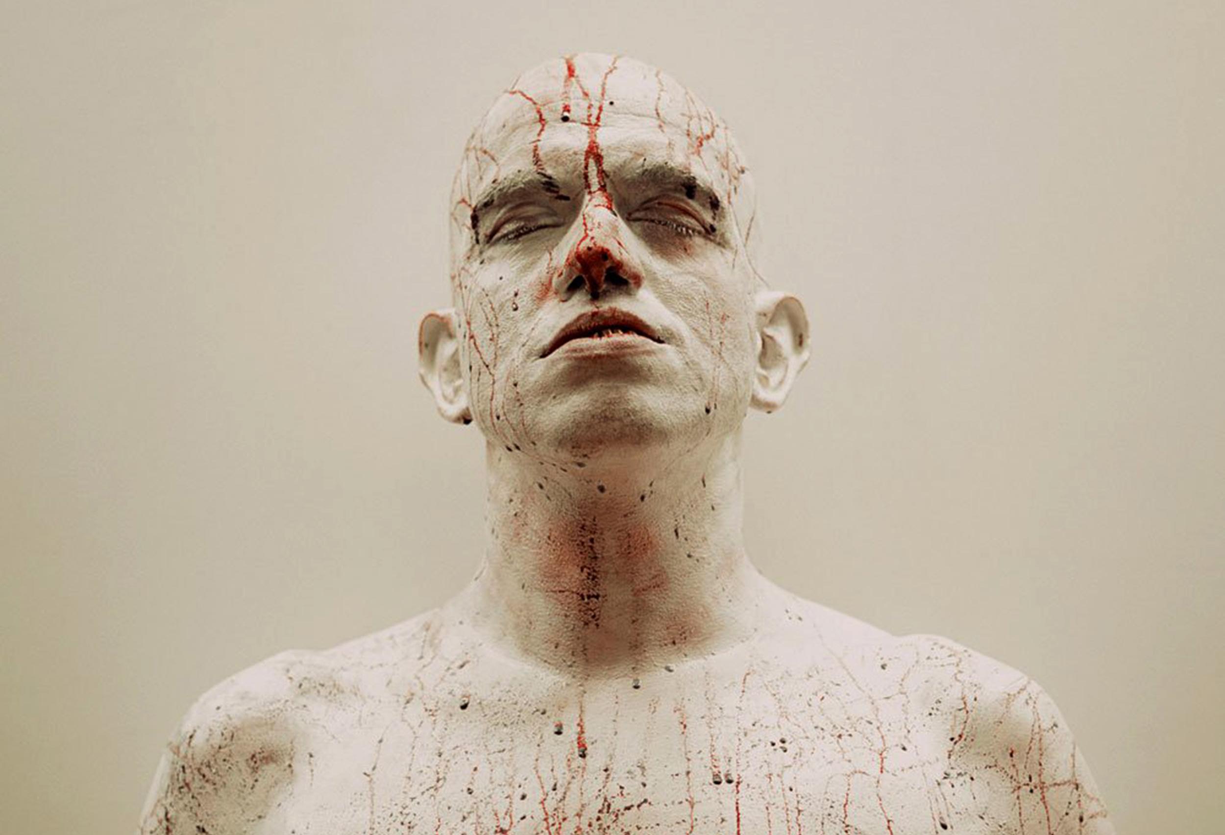 بدن به مثابه دراماتورژی (نمایش پردازی) سیال: هنر اجرا ، بدنمندی و ادراک[۱]  نویسنده: استفن دی بنِدتو[۲]  مترجم:کیانا برومند